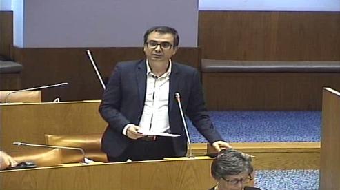Recomenda ao Governo Regional que proceda ao início imediato de obras na estrada que faz a ligação entre a freguesia de Furnas e a vila da Povoação