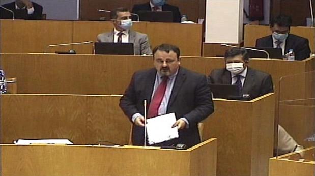 Recomenda ao Governo Regional a extinção do Gabinete de Apoio à Comunicação Social do Governo Regional dos Açores