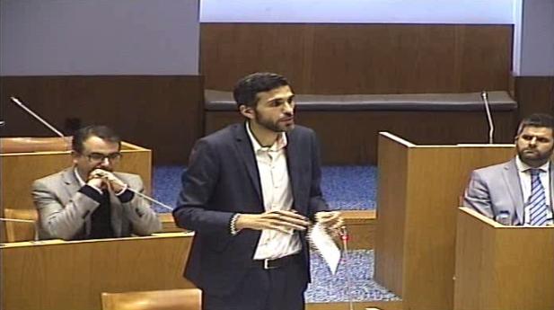 Recomenda ao Governo Regional a adoção de medidas que protejam o emprego na Fábrica Conserveira Santa Catarina