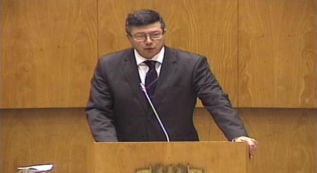 Resolve recomendar ao Governo Regional que cumpra integralmente o que se encontra definido na Resolução da Assembleia Legislativa da Região Autónoma dos Açores n.º 9/2015/A
